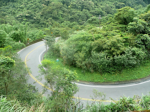 Switchbacks on Road 106-1 (106之) to Pinglin (坪林)
