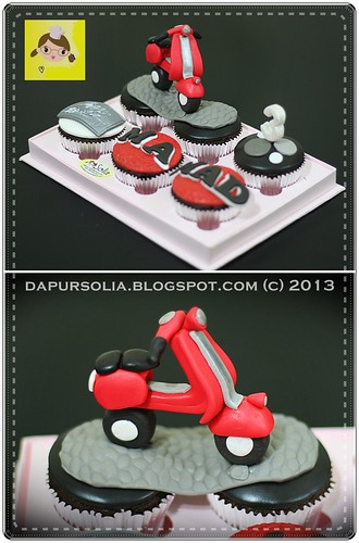 Vespa Cupcake Set for Mamad