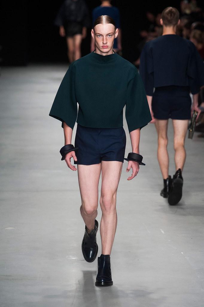 SS14 Paris Juun J.013_Roberto Sipos(fashionising.com)