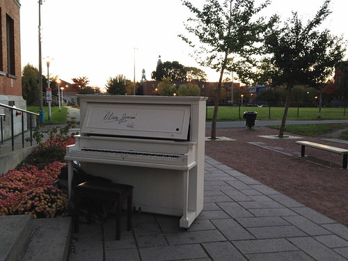 Outdoor Piano by susanvg