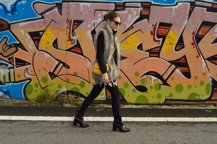 lara-vazquez-madlula-blog.furry-black-outfit