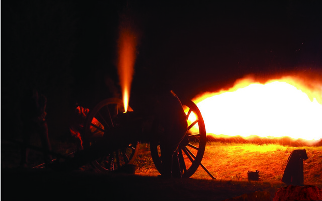 There will be demonstrations of cannon firing during the Commemoration.