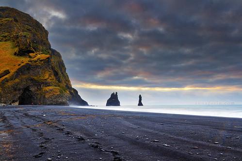 ocean morning sea sky beach clouds sunrise canon iceland surf sigma vik 7d trolls basalt seastacks rockformation blacksandbeach reynisfjara reynisdrangar touristdestination 1750mm stoneturnedtrolls