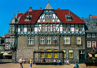 Goslar, Historischer Marktplatz - (Analogaufnahme von 1991 - Minolta 7xi)