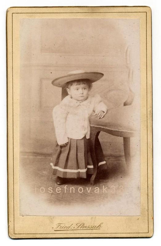 Friedrich Stussak, Praha - Boy Or Girl?