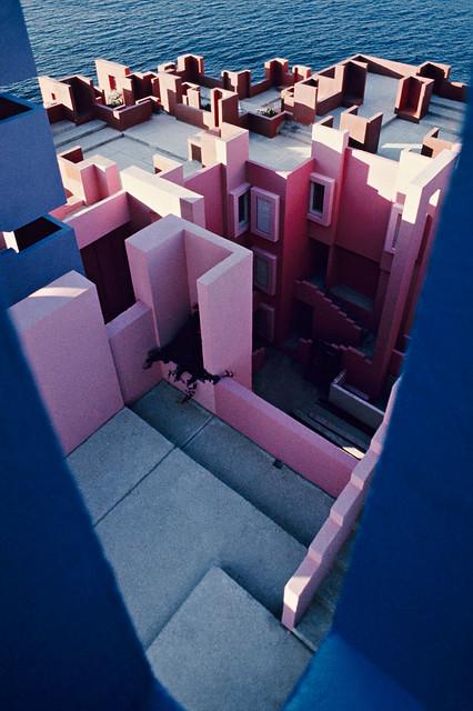 Muralla_Roja_Calpe_Spain_Ricardo_Bofill_Taller_Arquitectura_31