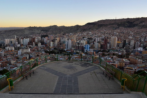 La Paz before darkness