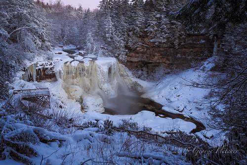 snow dusty frozen waterfall unitedstates westvirginia davis blackwaterfallsstatepark