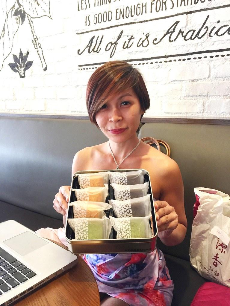 Starbucks Malaysia Pineapple Tarts-001