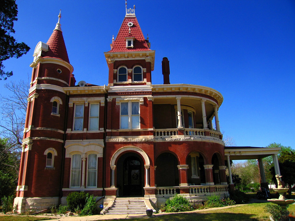 Texas cattle baron J.D. Houston's house in Gonzales, Texas. Credit ProfReader