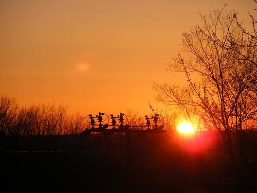 leverdesoleil sunrise soleil sun ciel sky arbre tree verdure greenery balcondegeneviève déménagementdegeneviève genevièvemoving impatience 29avril2016 saveearth supershot coth ngc coth5 citrit fantasticnature alittlebeauty abigfave npc paysage landscape