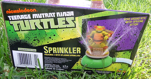 IMPERIAL TOY LLC. :: Nickelodeon TEENAGE MUTANT NINJA TURTLES :: SPRINKLER v (( 2013 ))