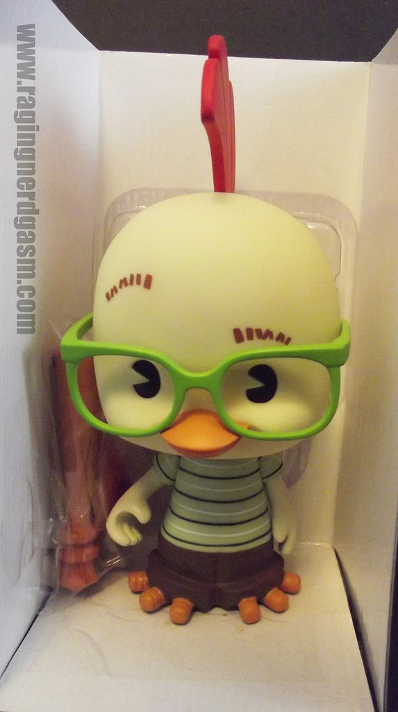 Disney's chicken little vinyl toy (6)