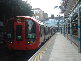 S7 21317 on District Line, Whitechapel