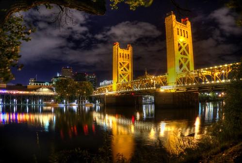 reflection night towerbridge gold raw fav50 sacramento hdr photomatix 1xp nex6 thephotographyblog pwpartlycloudy selp650