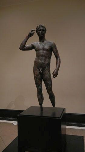 DSCN7510 _ Victorious Youth, Greek, 300-100 B.C., Getty Villa, July 2013