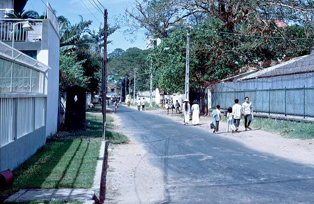 An Lac Orphanage, Saigon, RVN. Side Street just outside of orphanage. Orphanage is on the right in photo - Đường Đoàn Công Bửu cạnh bên Cô nhi viện An Lạc, phía xa là đường Yên Đổ