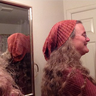 Sockhead is finished! Rather loose and I might make that stockinette a bit shorter next time...needs blocking too.