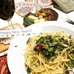 iwashi(sardine) & daikon leaf pasta, dried fruit & wine #dinner #pasta #wine #driedfruit #japan #newyearsday