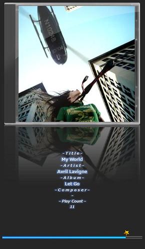 """Avril Lavigne-6 音楽再生ソフトウェアのfoobar2000のスクリーンショット画像。 """"Avril Lavigne"""" さんのアルバムである""""Let Go"""" の """"My World"""" が再生されている。"""