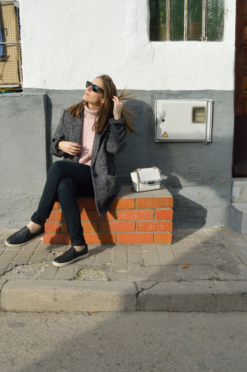 lara-vazquez-mad-lula-style-streetstyle-look-black-pink-pale