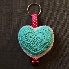 jewellery(0.0), organ(0.0), art(1.0), textile(1.0), heart(1.0), keychain(1.0), crochet(1.0),