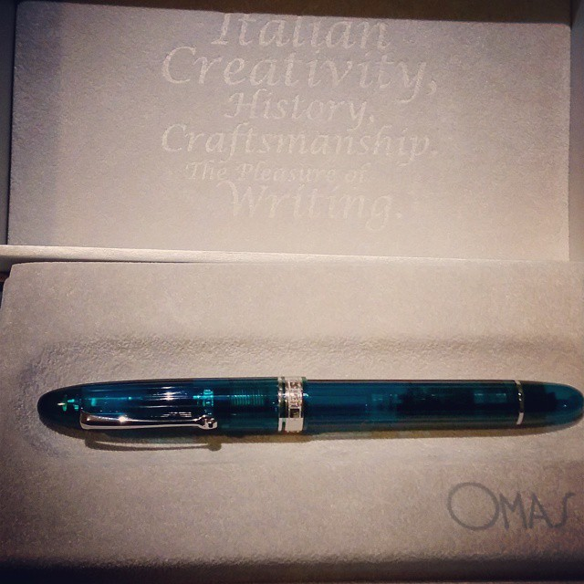 I can't stop staring... 😍 #omas #ogiva #alba #fountainpen #fpgeeks #pen #pretty #collectibles
