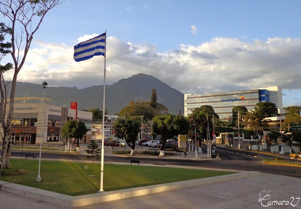 Am rica central ca 5 capitales guatemala tegucigalpa for Gran via el salvador