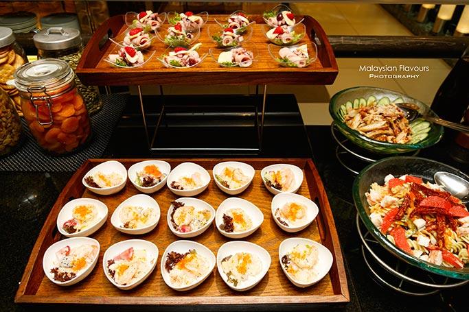 christmas-and-new-year-buffet-parkroyal-kuala-lumpur-hotel
