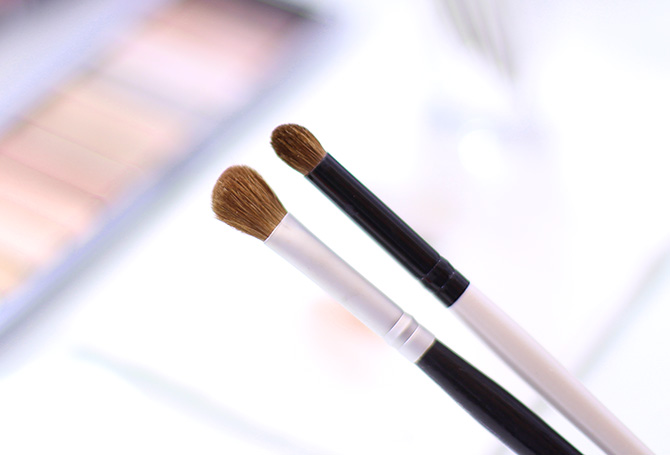 05- limpando pinceis de maquiagem em segundos higienizador de pinceis koloss