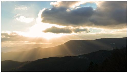 sunset sky sun clouds canon landscape golden soleil coucher ciel alsace hour 24mm nuages paysage château goldenhour coucherdesoleil haut basrhin 600d hautkœnigsbourg orschwiller kœnigsbourg