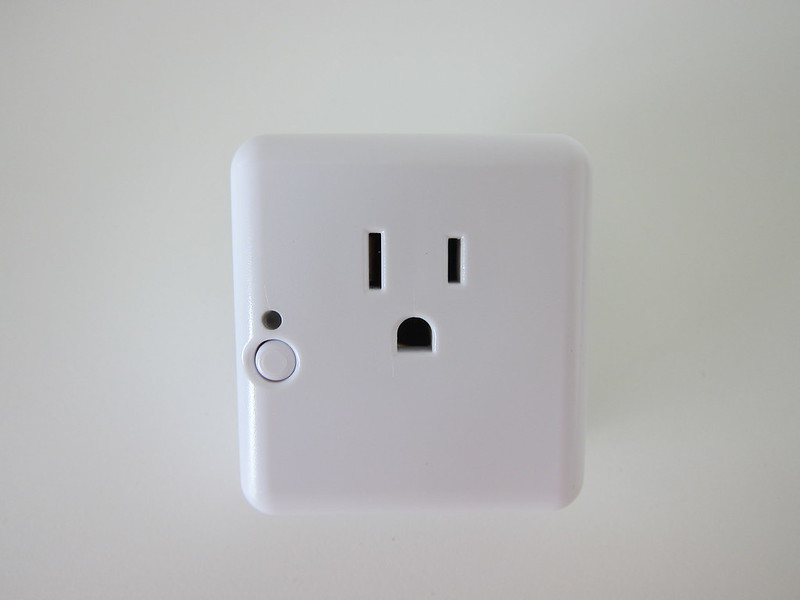 Samsung SmartThings - Outlet - Top