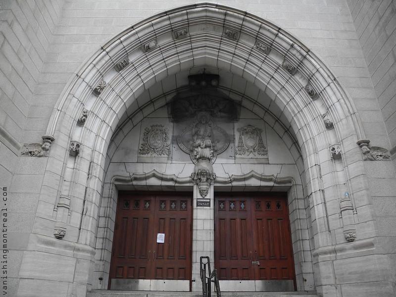 Église Saint-Alphonse-d'Youville church / Liguori condos (2014) 7