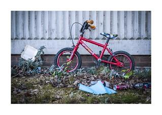 OC:OL:OY Day 8 - kid's bike (_1060901.RW2)