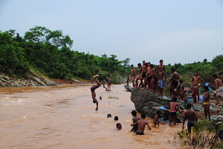 Lupungutu Roro River