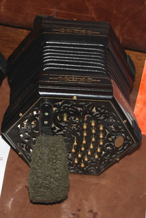 Accordions, Concertinas, etc. [Free Reed Instruments] 71: Concertina [Anglo] (of Jody Kruskal)