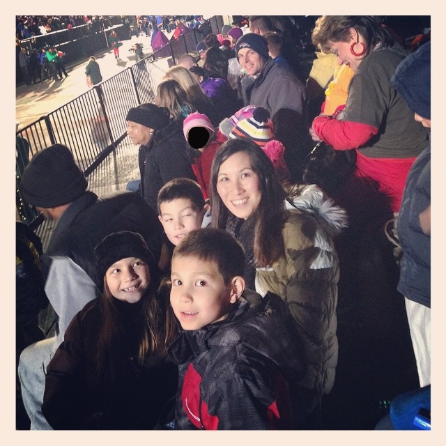 Waiting for the parade of lights to begin! #9news #paradeoflights