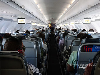 LATAM Airlines A320 interior LAN (RD)