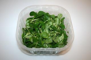 12 - Zutat Feldsalat / Ingredient lamb's lettuce