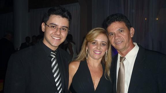 João Victor, Silvania e João Luiz Moura