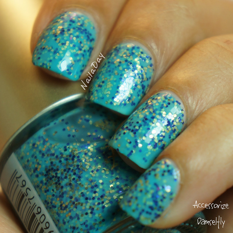 NailaDay: Accessorize Damselfly