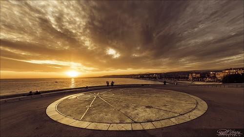 sunset sea sky sun mer france clock clouds soleil nice fisheye sundial ciel horloge nuages 06 15mm coucherdesoleil 6d méditerranée alpesmaritimes horlogesolaire soleilcouchant raubacapeu