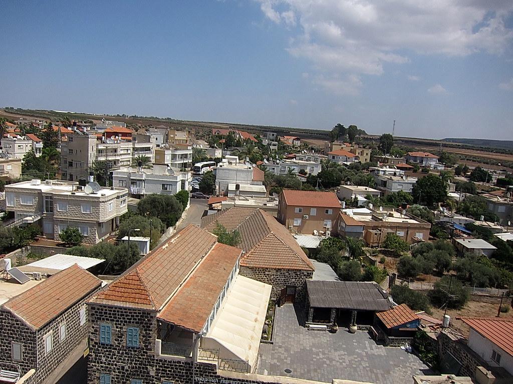 הכפר 16