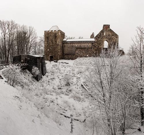 park travel winter snow castle landscape ruins europe ngc eu latvia nikkor snowfall latvija 2015 sigulda зима снег руины latvijasrepublika латвия nikond810 снегопад nikkor2470 сигулда segewold siguldamedievalcastle замокзегевольд