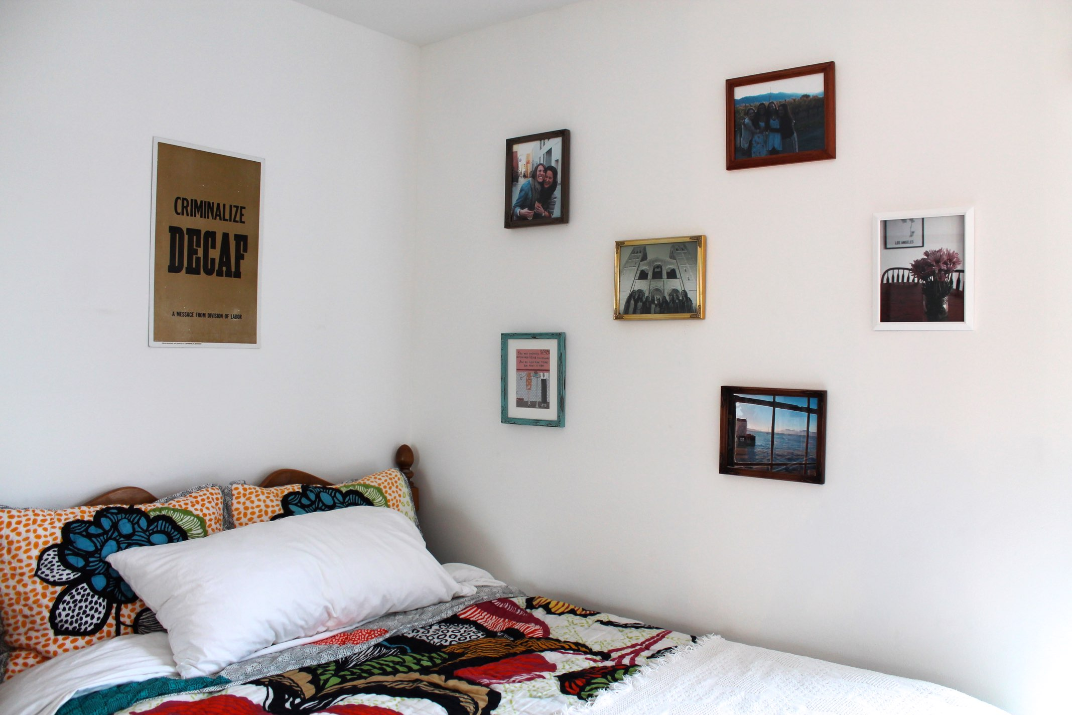 how to make a photo frame wall #apartment #decor