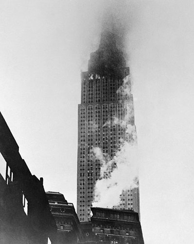 Fuego provocado en el Empire State Building