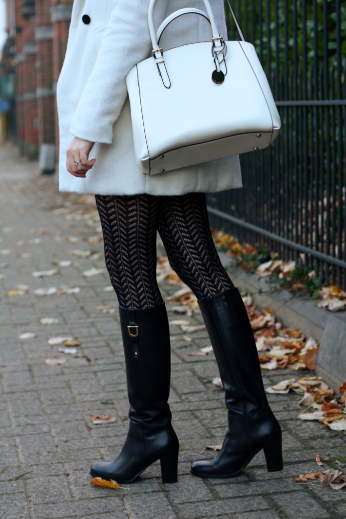 knee high tall boots mano crochet tights