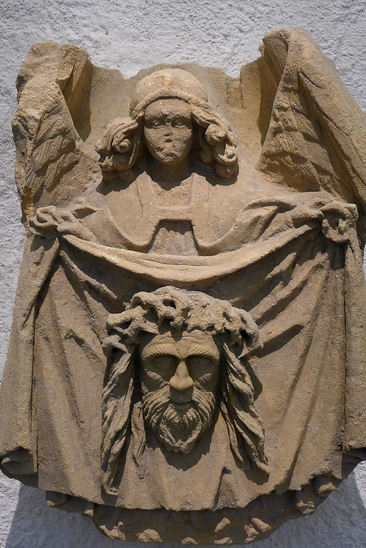 Echternach (Luxembourg) - 24 - Basilique Saint Willibrord - Ange et suaire de Véronique, Atelier de Trèves