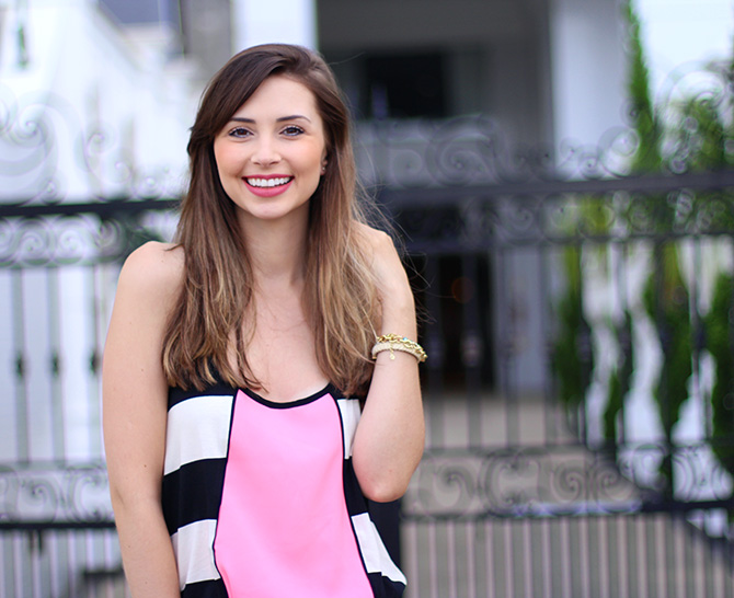 08-look do dia vestido rosa com listras sly wear