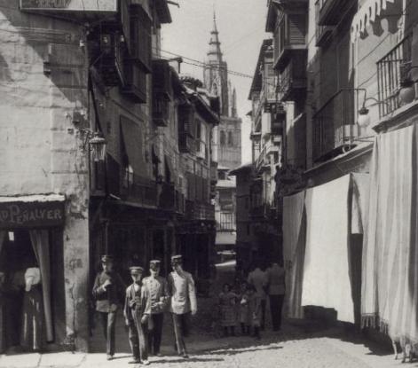 Calle Ancha hacia 1900. Fotografía de Alois Beer. Kriegsarchiv, Wien